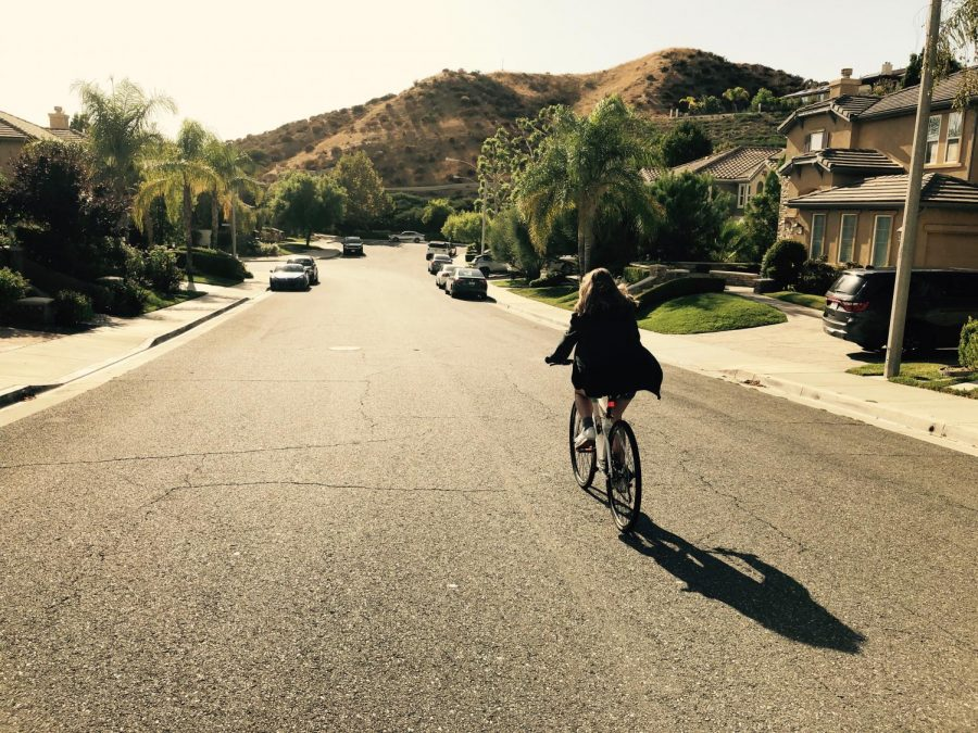Our+author+channels+Rue+as+she+rides+her+bike+through+her+very+own+suburban+street.